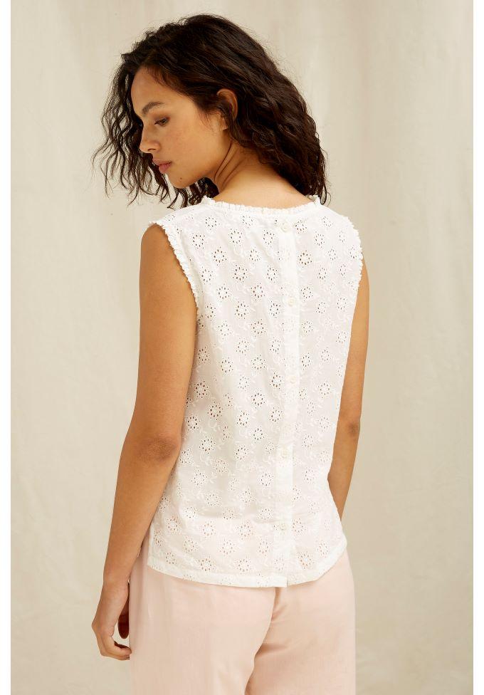 katrina-broderie-top-in-white-ad33c5d92e05_1koko